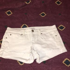 🆕 New white shorts by 2bebe🌴